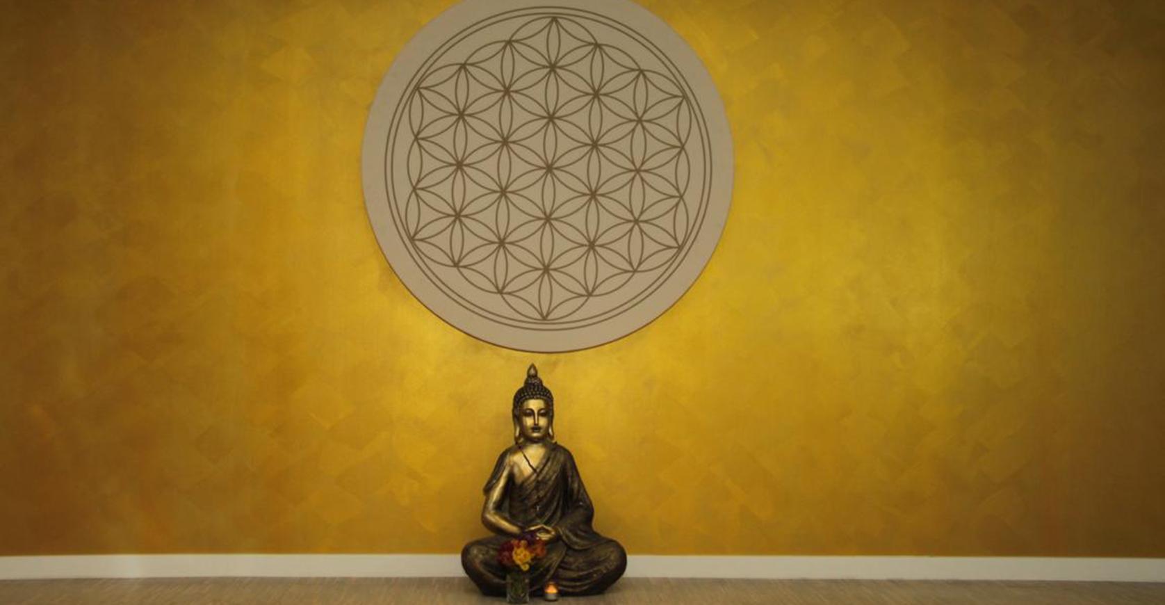 Goldene Wand Buddha
